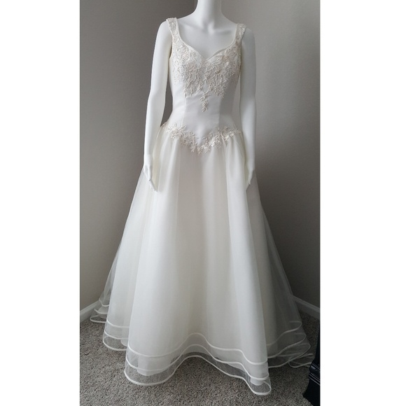 Michelangelo Dresses | Ivory Tulle Embroidered Wedding Gown | Poshmark